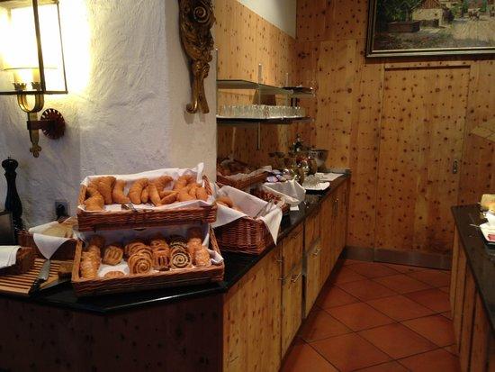 Eden Hotel Wolff: Breakfast