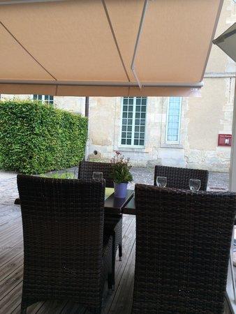 Le Nymphée (anciennement L'Impressionnist' Cafe): terrasse