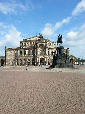DresdenWalks: il teatro