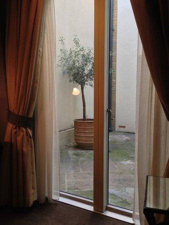 The Alma Hotel: Courtyard