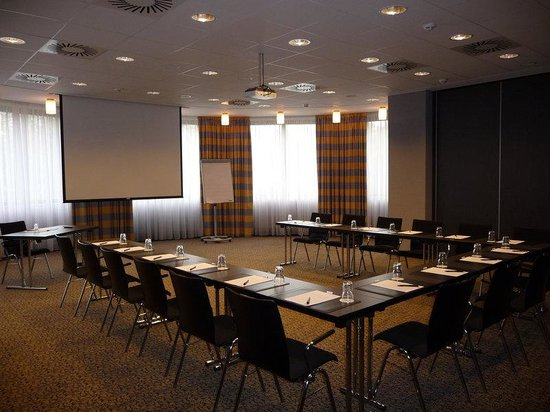 Relexa Hotel Airport Dusseldorf-Ratingen: Conference room Berlin