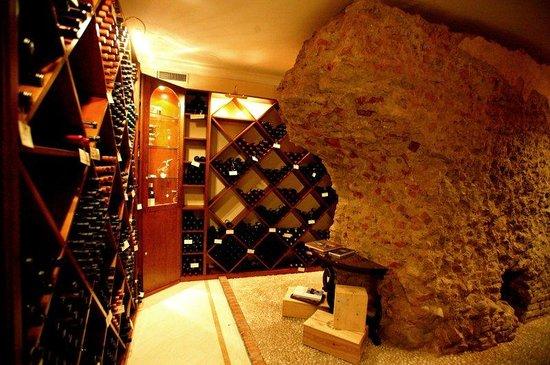 Grand Hotel et de Milan: Wine Cellar