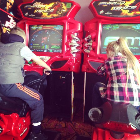 Cresswell Towers Holiday Park - Park Resorts: Arcades