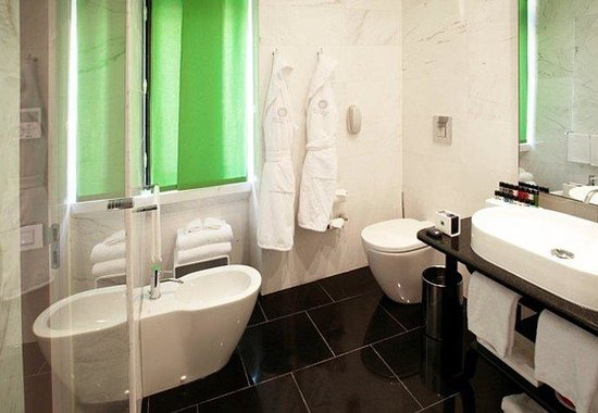 Grand Hotel Palace: Deluxe Comfort Bathroom