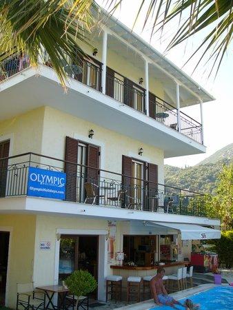 Sands hotel (Poolside bar)