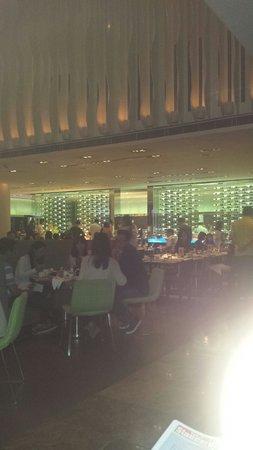 The Mira Hong Kong: Restaurant.