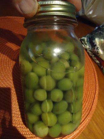 Oxbow Public Market : Great olive selection