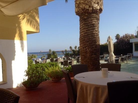 Palm Beach Hotel: Blick beim Morgenessen