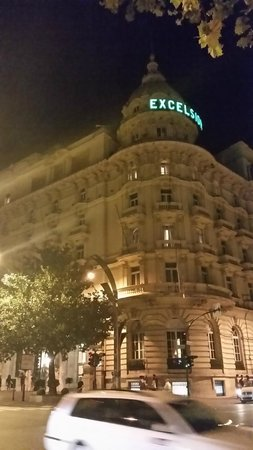 The Westin Excelsior, Rome: Night time stroll