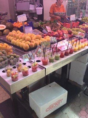 Central Market (Mercado Central) : la frutta del mercato centrale