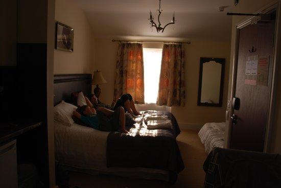 Black Boy Inn: Room # 60 bed
