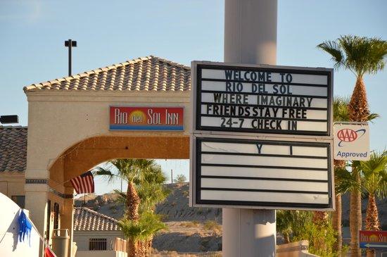 Rio Del Sol Inn Needles: Funny sign