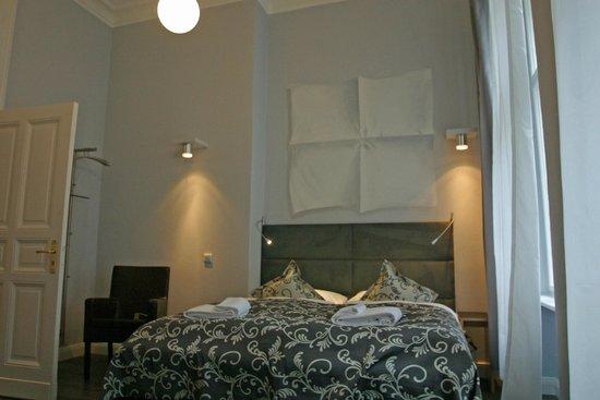 Hommage à Magritte: Standard Double, Doppelzimmer