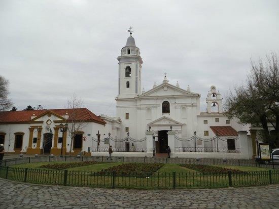 Recoleta: Igreja do Pilar e praça