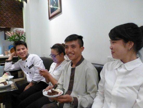 Hanoi Meracus Hotel 2: Equipe