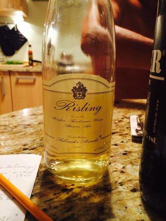 Guadalest Valley : Вкусное вино из местной bodega