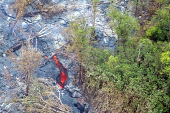Safari Helicopter Tours: great view of molten lava