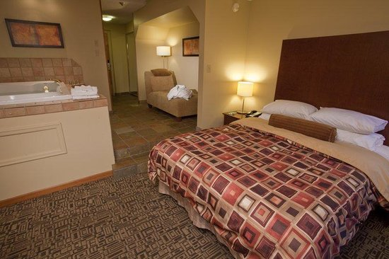 Mountainside Lodge : Suite Bedroom