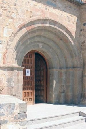 Agreda, สเปน: Portada románica