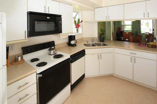 Paniolo Greens Resort: Suite Kitchen