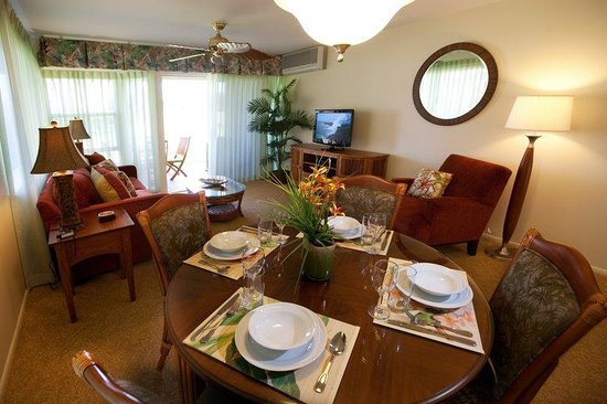 Paniolo Greens Resort: Suite Living Area