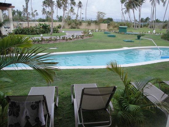 Breathless Punta Cana Resort & Spa : swim up lagoon/pool
