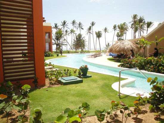 Breathless Punta Cana Resort & Spa : view to ocean from just outside room
