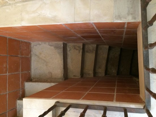 La Posada de Castrojeriz: Steps to the basement