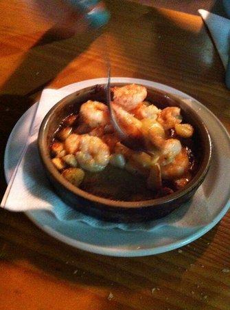 Mis Abuelos: Gamberetti con aglio, deliziosi.