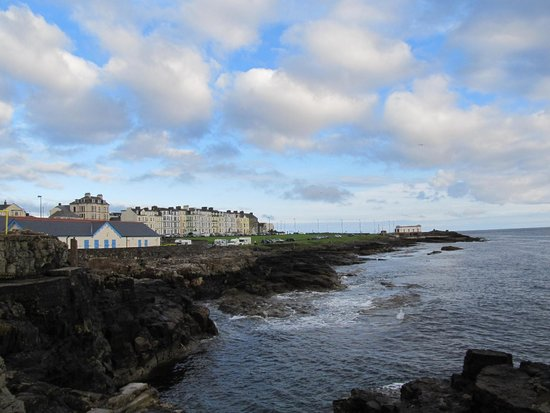 The Port Hotel : Portrush - view less than one block from hotel