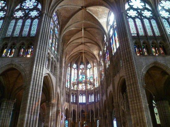 Basilica Cathedral of Saint-Denis: Basilique Saint-Denis