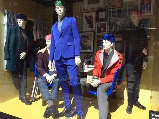 Selfridges: the perfect window dessing