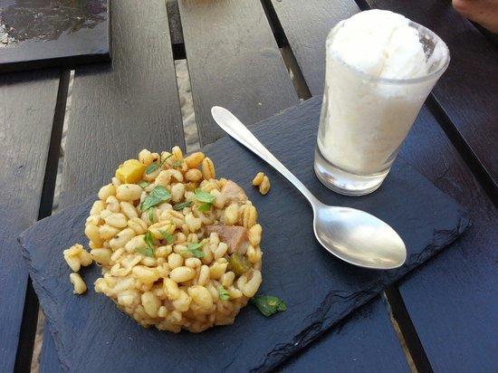 De Locos Tapas: Rissoto de trigo y boletus con helado de queso