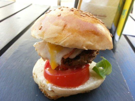 De Locos Tapas: Mini hamburguesita