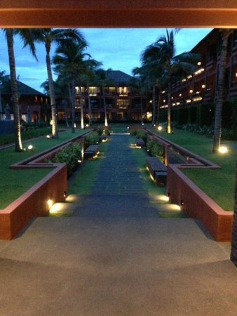 Hansar Samui Resort: Property at Nightfall