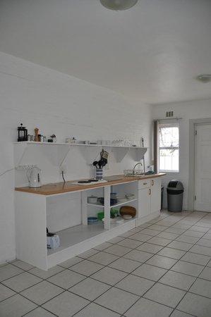 Roman Rock: kitchen