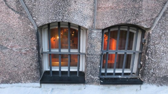 Hotel Katajanokka: Jailbird resturant set udefra