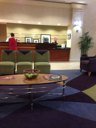 Hampton Inn Ft. Lauderdale /Downtown Las Olas Area: The lobby area.