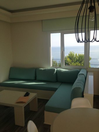 Erietta Luxury Apartments: Sofa's with lovely view