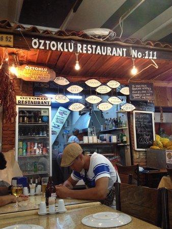 Oztoklu Restaurant : Insegna