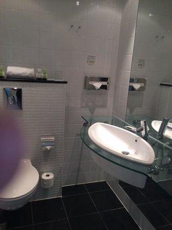 Copenhagen Island Hotel: wash basin