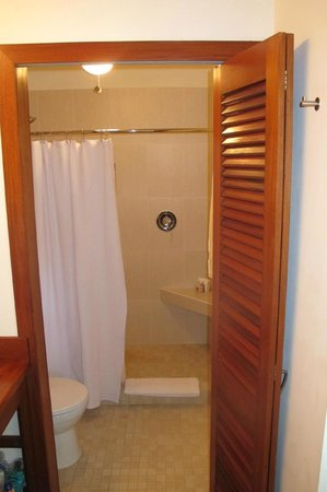Victoria House: Bathroom in Casita