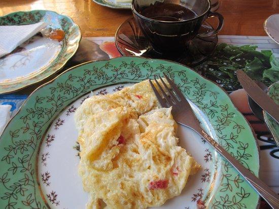 Hotel Kamila: 朝食のオムレツ