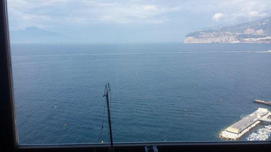 Maison La Minervetta: una parete sul mare
