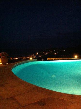 Hotel Blau Mar : piscine la nuit