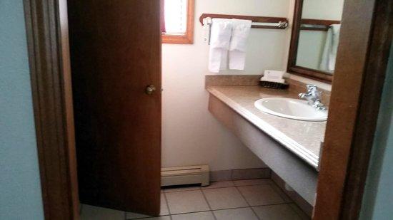 Ouray Victorian Inn : Bathroom