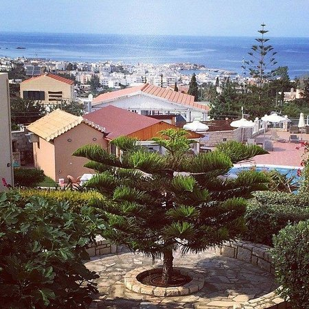 Pilot's Villas Luxury Suites : Sea view from the main terrace