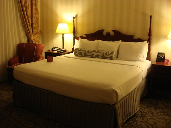 Crowne Plaza Niagara Falls - Fallsview: Comfy bed