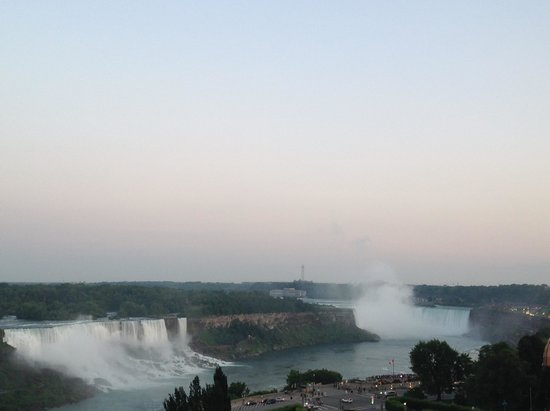 Crowne Plaza Niagara Falls - Fallsview: Great view of both of the falls from our balcony