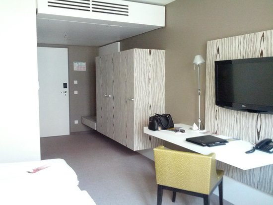 Royal Palace Hotel: Zimmer
